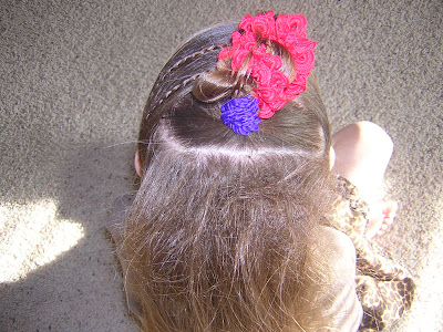 hairstyle using flowers