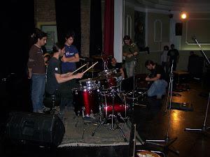 Clases prácticas de sonido en salas