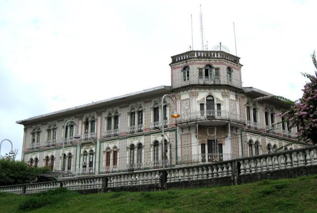 Hotel Palacios. Built 1908-12