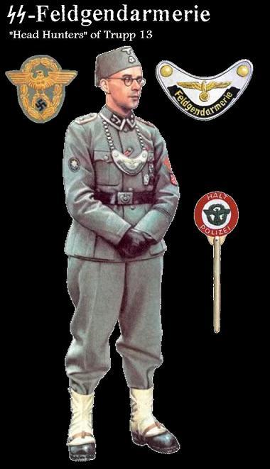Feldgendarmerie dari SS sedang menanyai prajurit Heer (Angkatan Darat)