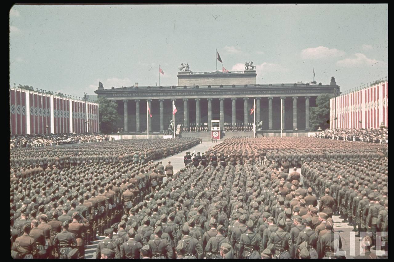 la légion condor et aviation italienne Legion+Condor+on+its+return+from+Spain+in+Berlin,+6+June+1939i