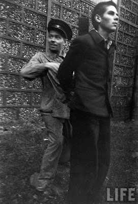 Execution+of+Nazi+collaborationist+Milice+%28Vichy+police%2906 Foto Eksekusi Mati Para Kolaborasionis Nazi di Perancis