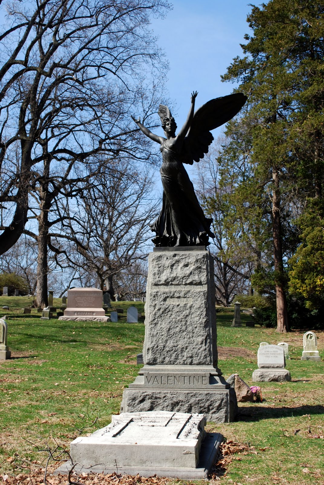 Mille Fiori Favoriti Resurrection Angel At Green Wood