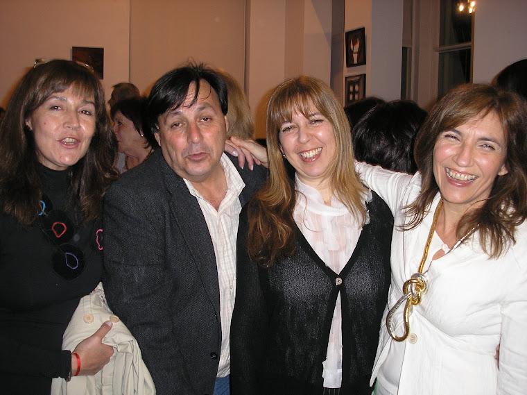 Silvia Chirife, Cali y las espositoras Inés Fernadez y Anabel Solari