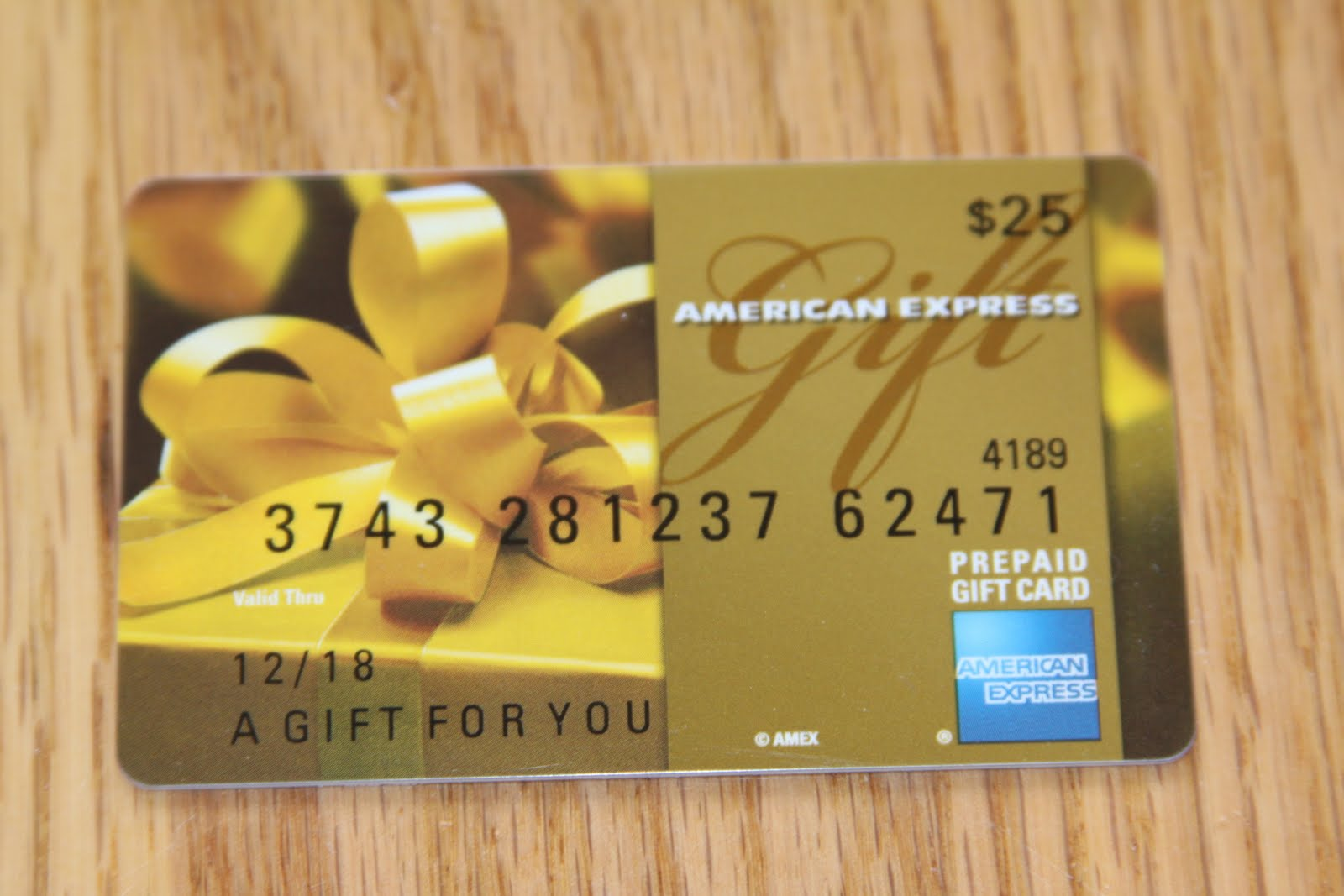 Give an American Express Custom Message Business Gift Card