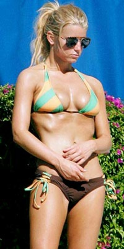 Jessica Simpson hot bikini