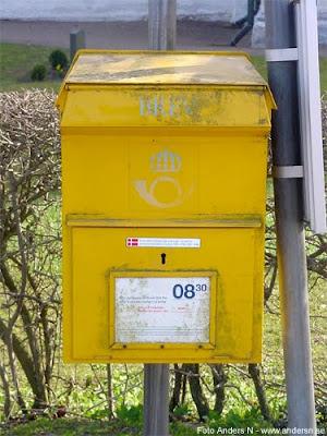 gammal, äldre, brevlåda, postlåda, gul låda, posten, kungliga postverket, snigelpost, 2002, foto anders n