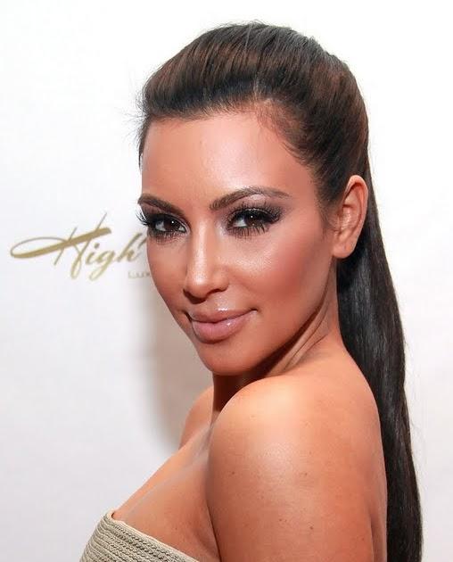SunSatNews: Kim Kardashian Bowls In Strapless Dress