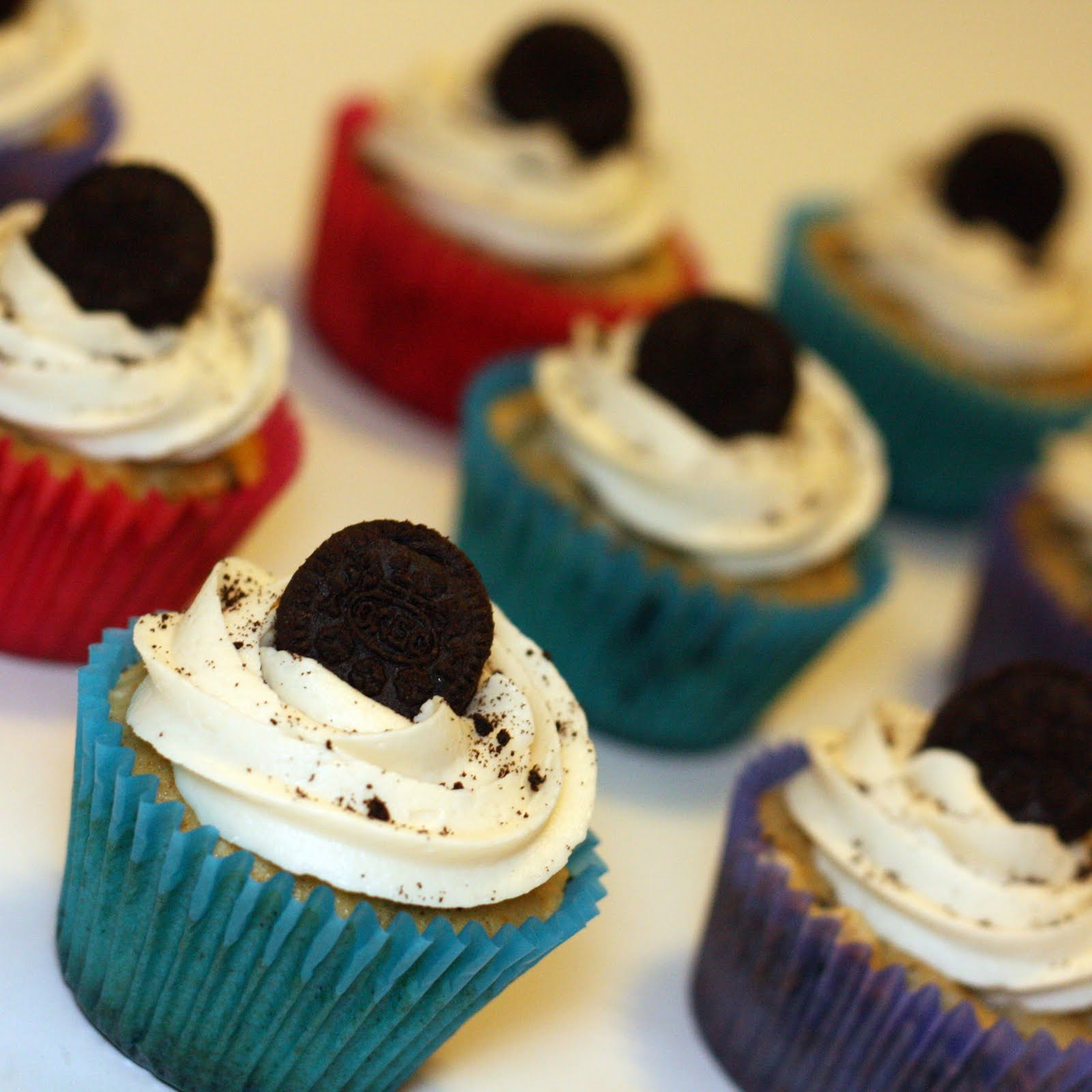 oreo cupcakes adapted from bean town baker makes 12 14