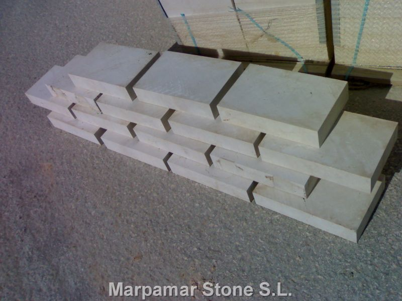 Marpamar stone is specialized in the production crema for Adoquines de hormigon precio