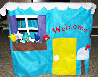 DIY Adorable Felt Playhouse