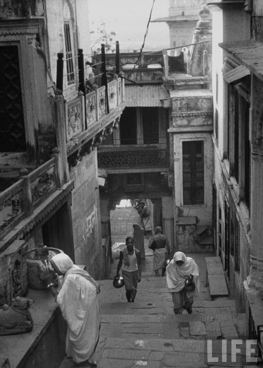 Street scene in Benares (Varanasi) - 1953