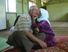 Najib Kiss Skandal !!