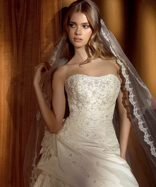 Gorgeous wedding dress embroidered wedding dress for Beautiful ivory wedding dresses