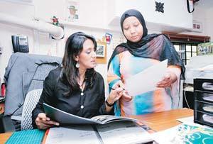 ... Al-Haj, banyak panduan yang diberikan bagi menghias ruang tamu rumah