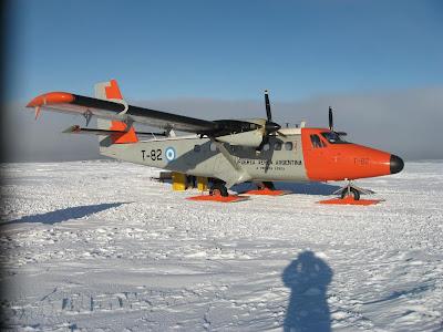 Caen más aviones que en la guerra de malvinas por falta de
