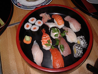 peix cru variat amb arròs