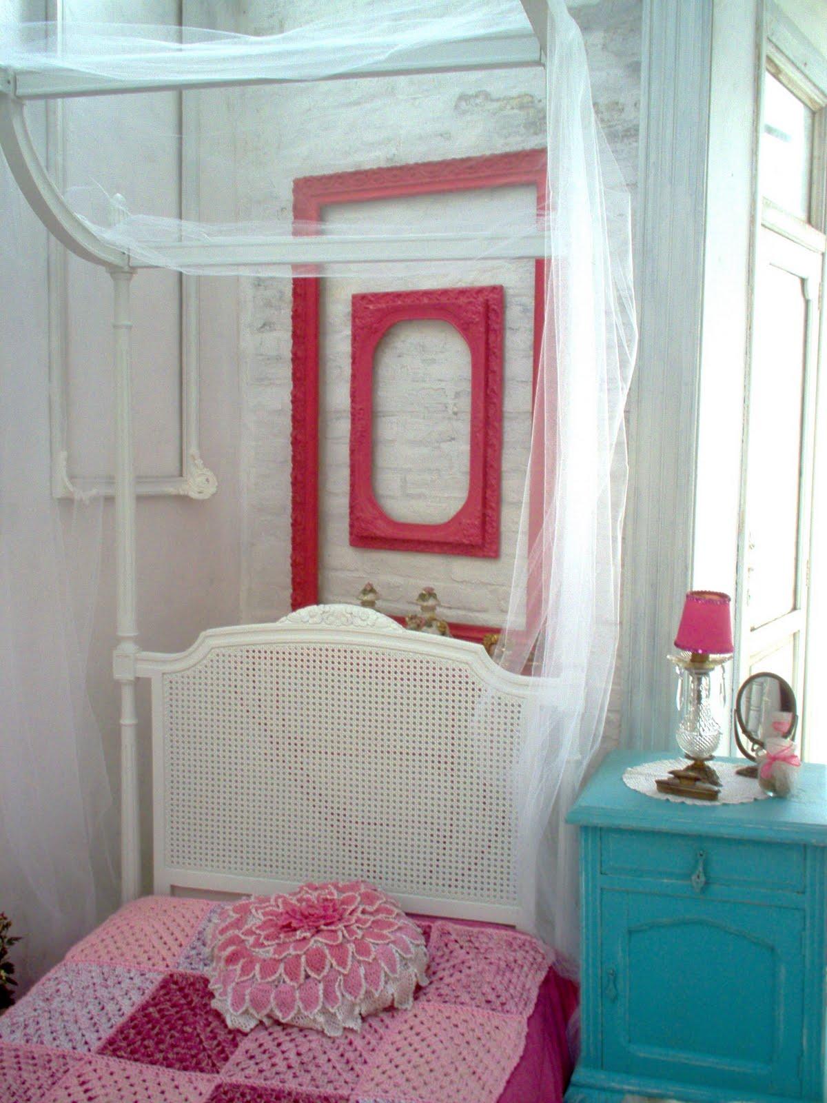 La cabeza de maria antonieta solo para rom nticas cama for Dormitorio luis xvi