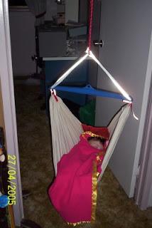 bliss bliss  diy baby hammock  rh   anayaliss blogspot