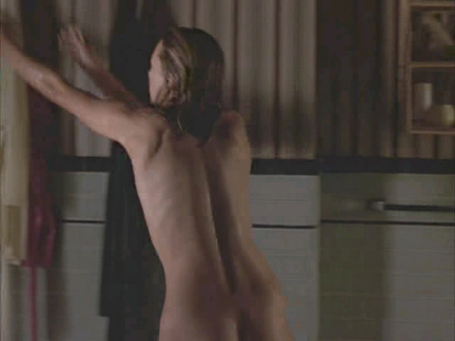 Milla Jovovich nude in No Good Deed. Download video: here. en 7:21 AM