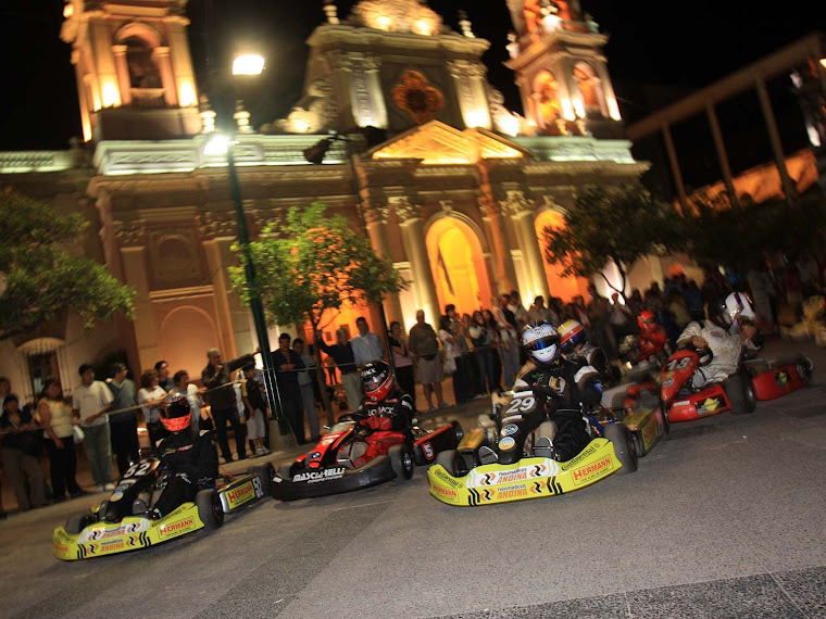 NOCHE DE KARTINGS EN SALTA CON PILOTOS DEL TOP RACE
