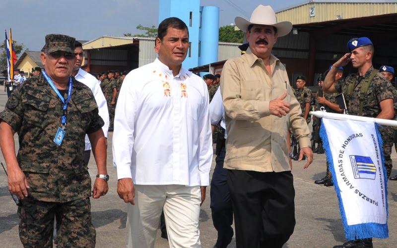 Rodeado poor los Militares Hondureños, pero no en Pijama