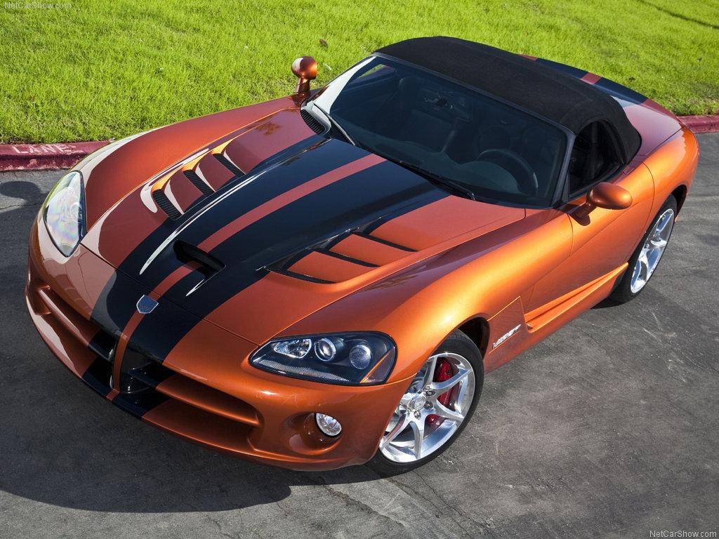 http://2.bp.blogspot.com/_pIPAn2T6CAk/TUOaxjBSPPI/AAAAAAAAAGU/BSCtm0ojl-s/s1600/Dodge-Viper-SRT10_2010-sport-car.jpg