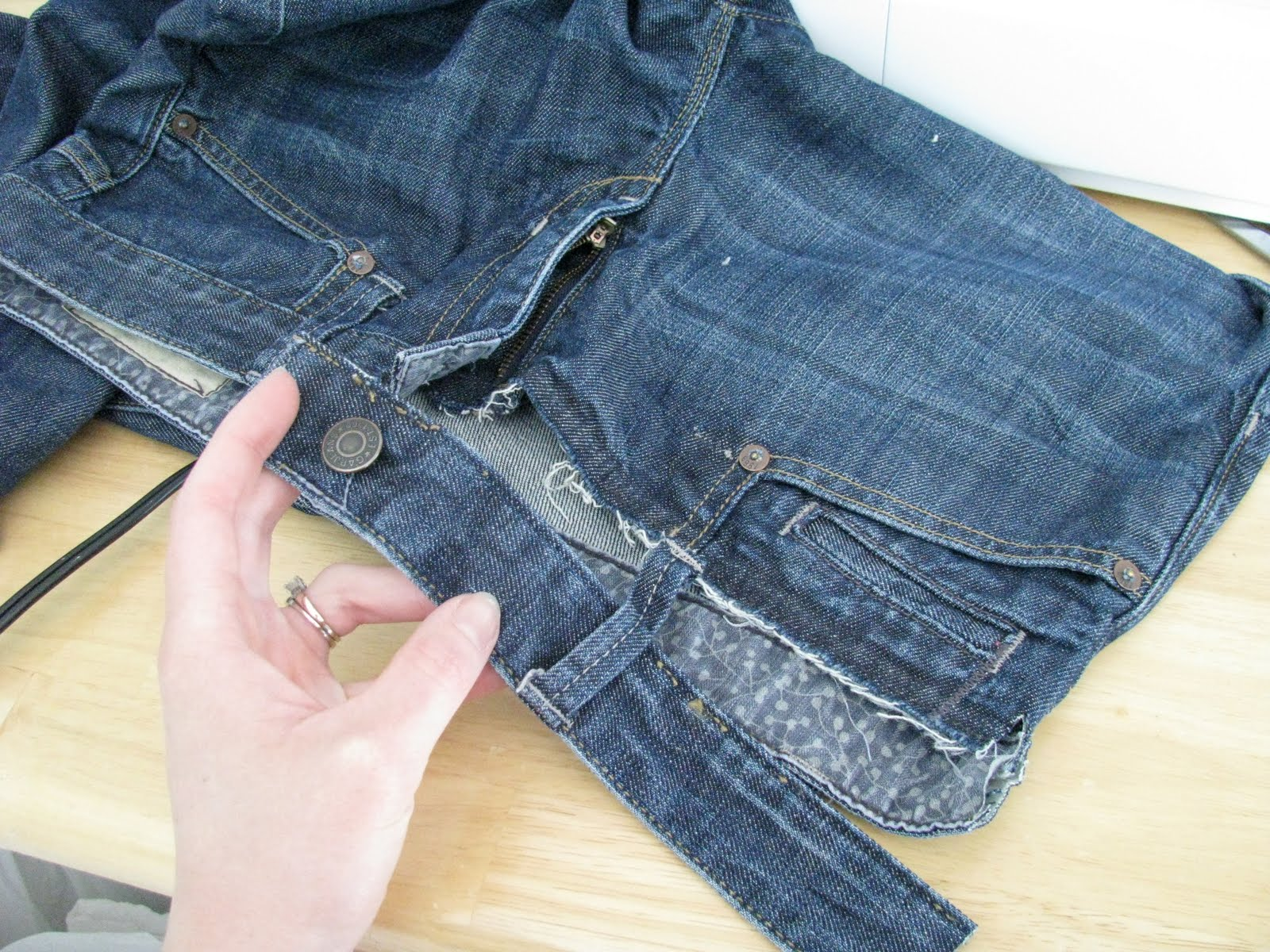 Как сделать джинсы на один размер меньше 19