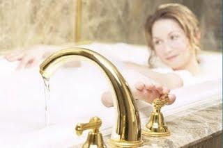 جولة موسعة لأروع حمامات الجسم الطبيعية!!! 3.5_WomenInBath