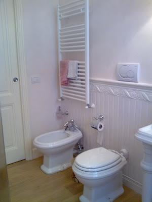 Shabby and charme il mio bagno grande my bathroom - Bagno con boiserie ...