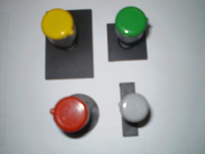 Terdapat tiga jenis rubber stamp/cop yang boleh anda tempah:
