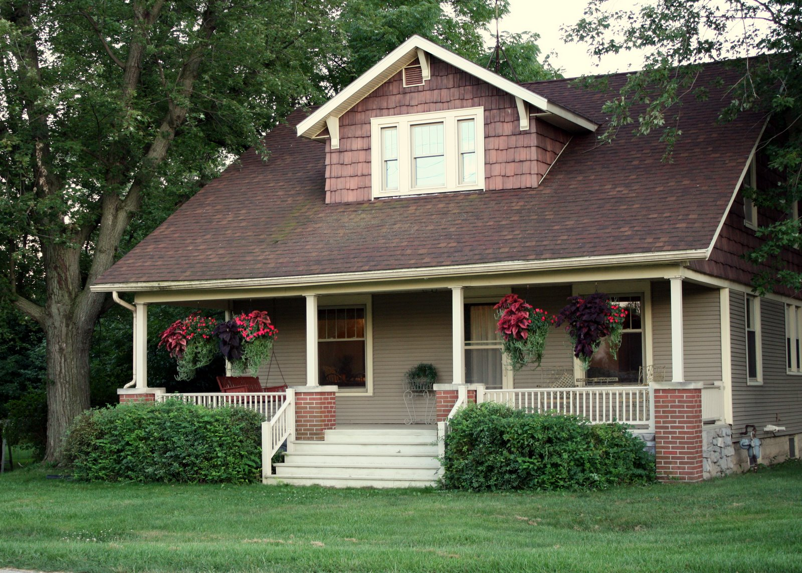 Waky area house for sale for Cottage style homes for sale