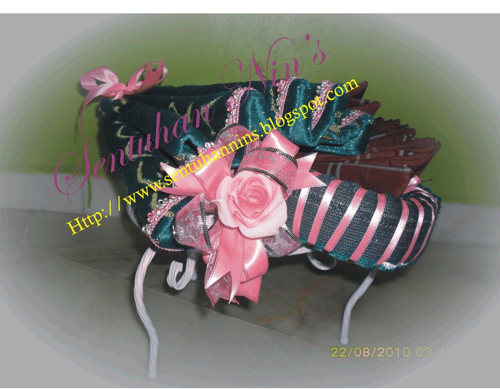 Gubahan Hantaran Bertema Warna Merah Jambu / Putih ( Pink / White )