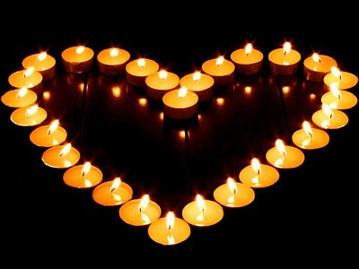 Veliko srce od svijećica - besplatna e-card čestitka za Valentinovo