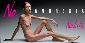 Posado cartel contra anorexia de frente