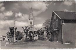 Salle des fêtes et l'église