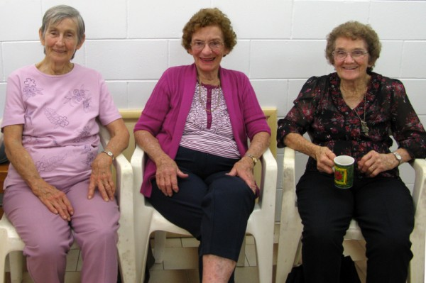 Happy Birthday Jean Haack - most senior Member Cooktown Art Jean+and+sisters