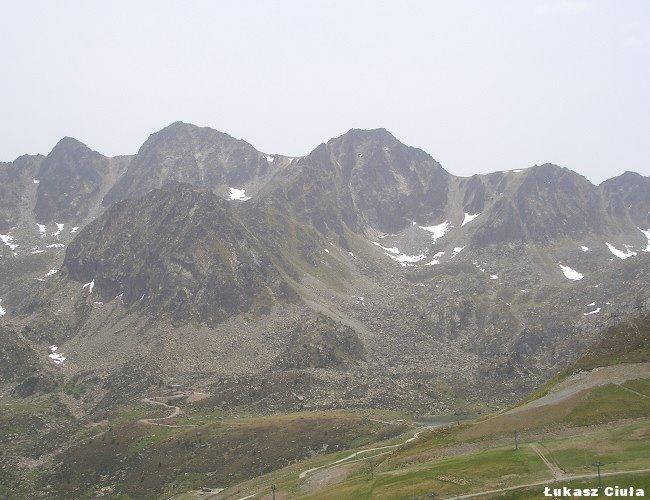 Pireneje góry