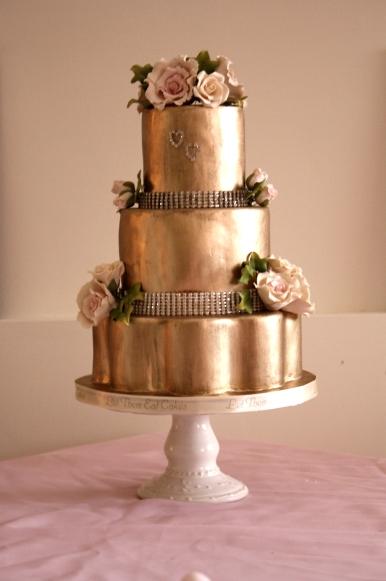 let them eat cakes gold cake. Black Bedroom Furniture Sets. Home Design Ideas