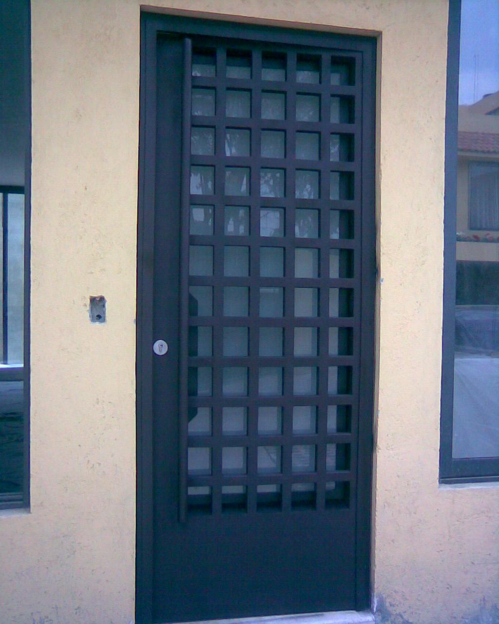 Herreria hector for Imagenes de puertas de herreria modernas