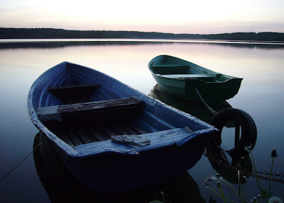 łódki jezioro Pluszne