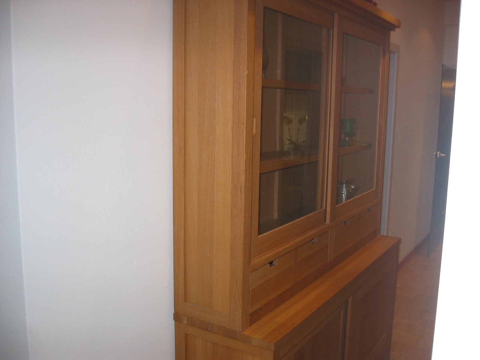 Too good to chuck buffet oak buffet vitrine eiche for Sideboard vitrine