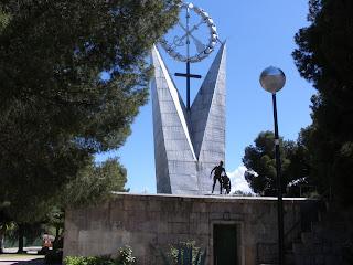 escultura parque de atracciones Zaragoza