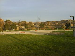 parque cesped fuente de la junquera Zaragoza