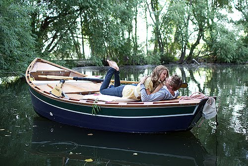 в лодке любовь
