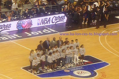Acto NBA Cares