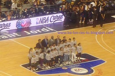 Acto NBA Cares
