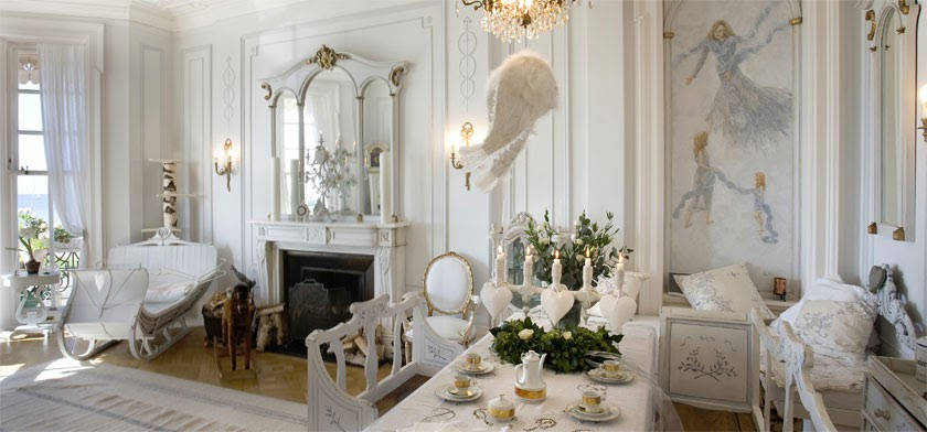 Gypsy purple design find swedish interior design for Find interior decorator