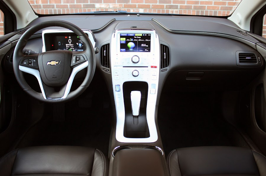 2011 Chevrolet Volt Dashboard Design