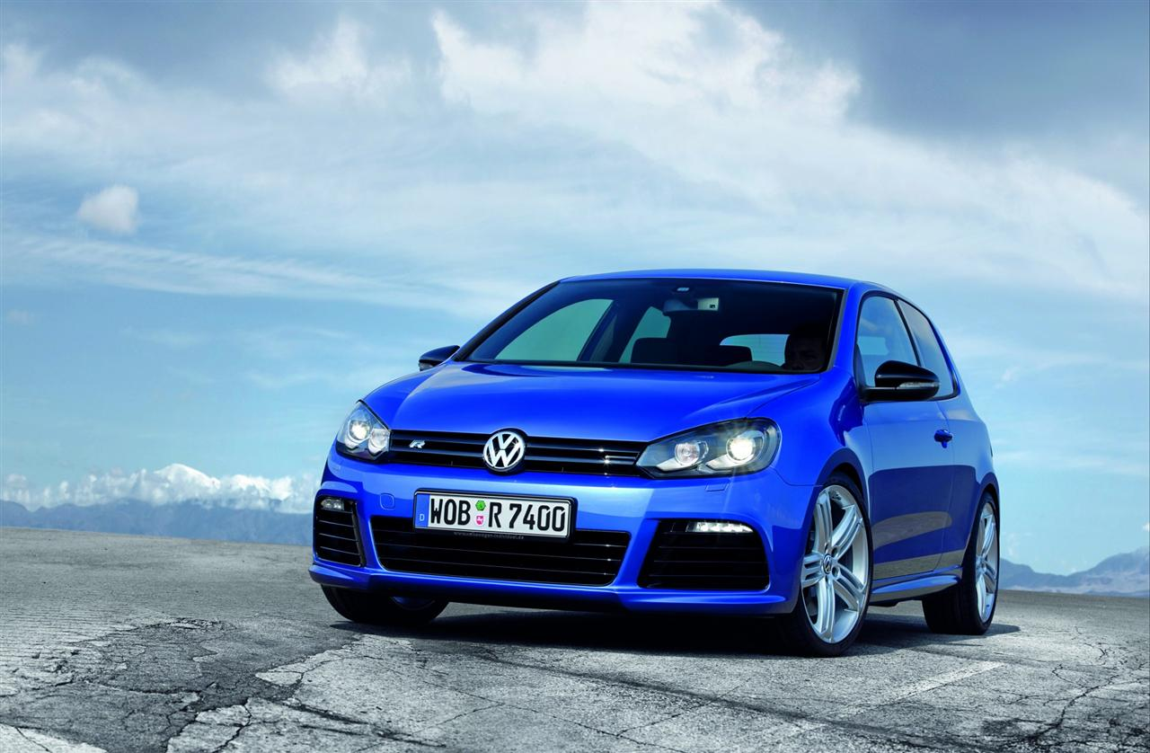 2010 Volkswagen Golf R Wallpaper